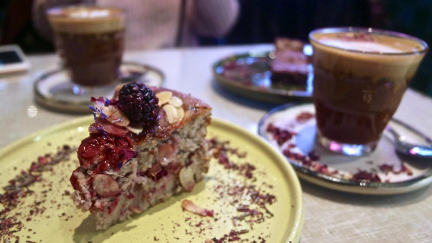 Farm Girl Cafe, Portobello Road - Chelsea || Food & Drink